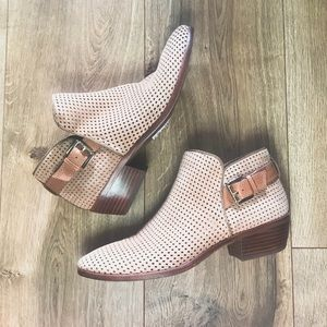 Sam Edelman Perforated Leather Ankle Booties sz 8